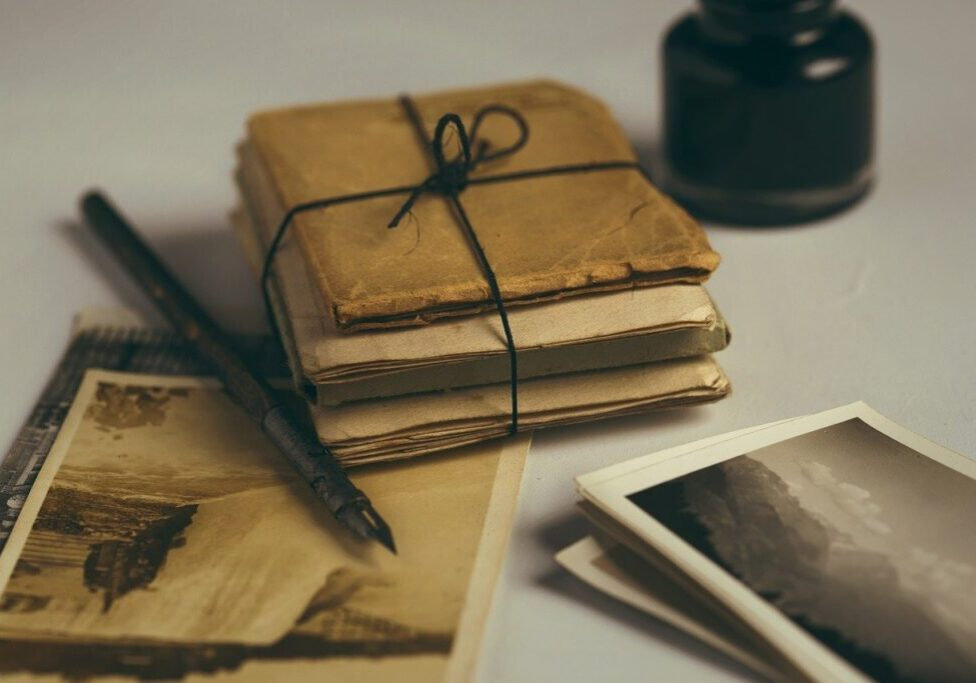 old letters, quill, old photos-1082299.jpg